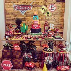 Festa Carros. Por @biancanobre.partydesign #encontrandoideias #blogencontrandoideias #fabiolateles #blogfestainfantil que no me fui a