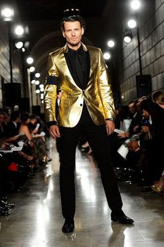 The Best Luxury Brands, Clothing, Accessories , You Can Buy Online Right Now Looks Adidas, Formal Attire For Men, Fashion Show, Mens Fashion, Mens Style Guide, Madrid, Celebrity Look, Classic Outfits, Beard Styles