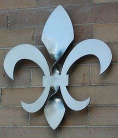 Twisted Fleur de Lis Sculpture 16.5 inches tall by JohnDIron