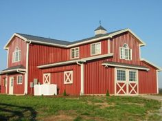 Awesome Barn - Equestrian Horse Farm call for more information buy this house Country Barns, South Country, Country Living, Old Farm, Farm Barn, Horse Barns, Horses, American Barn, Barn Pictures