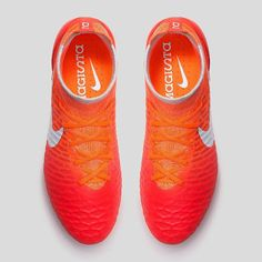One of the best colourways yet for @nikefootball's #Magista Obra. The all new Radiant Reveal Women's edition. #Obra #NikeFootball #Nike #NikeSoccer #NikeMagista #NikeObra #MagistaObra #ThiagoSilva #DavidLuiz #Pogba #Gotze #SoccerCleats #FootballBoots #Cleats #Boots by footballboots.co.uk