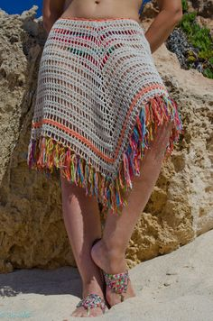 New crochet summer shawl fringes ideas Mode Crochet, Crochet Diy, Crochet Skirts, Crochet Cross, Crochet Woman, Crochet Shawl, Crochet Clothes, Crochet Bikini, Crochet Summer