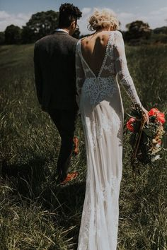 boho lace wedding dress with low v back #weddingdresses #weddingdress #bohowedding