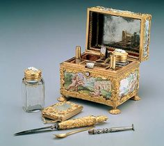 Box with tools for applying cosmetics (Europe), 17th or 18th century.  From the National Palace Museum, Taipei.