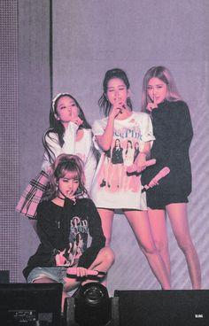 Blackpink in your area concert Seoul Seoul Fashion, Blackpink Fashion, Kpop Girl Groups, Korean Girl Groups, Kpop Girls, Kim Jennie, Seoul Hotel, Fanfic Namjin, Black Pink Kpop