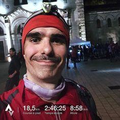 Mon grand sourire à l'arrivée de la Nuit du Diable !  Mon principal indicateur pour le running c'est le sourire à l'arrivée d'un entraînement et d'une course. Je ne cours plus pour perdre du poids mais parce que j'aime ça. Je fais des courses pour la motivation les objectifs et parce que j'aime ça. Aussi tant qu'il y a le sourire et le plaisir tout va bien.  Et voilà donc mon sourire après en avoir bavé pendant 19km dans la terre l'eau le vent la pluie et surtout la nuit avec un départ à…