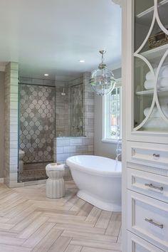KC: master bathroom design Jacaranda Arabesque-Custom Cut in 2 patterns, X and O, Jacaranda is a blend of Athens Silver Bad Inspiration, Bathroom Inspiration, Dream Bathrooms, Beautiful Bathrooms, Master Bathrooms, Country Bathrooms, Small Bathrooms, Luxury Bathrooms, Small Bathtub