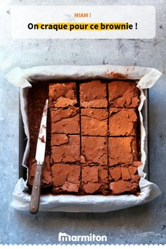 Traybake Tuesday - Easy Chocolate Fudge Brownies with Raspberries & Cream (v) Chocolate Fudge Brownies, Caramel Brownies, Decadent Chocolate, Chocolate Desserts, Chocolate Cupcakes, Brownie Recipes, Cake Recipes, Protein Rich Foods, Cooking Chef