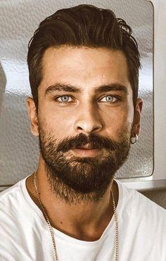 Turkish Men, Turkish Actors, Gorgeous Men, Beautiful Women, Handsome Celebrities, Household Cleaning Tips, Hot Actors, Hair And Beard Styles, Male Beauty