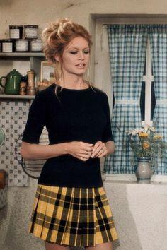 "Brigitte Bardot in ""The bear & the doll"", 1969                                                                                                                                                      Plus"