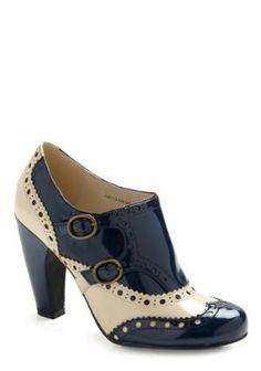 e83c476cdf7  My style  Flat shoes Awesome Fashion High Heels Retro Heels