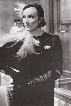 Marlene Dietrich, Shanghai Express, 1932