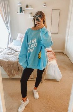 Cute Preppy Outfits, Casual School Outfits, Chill Outfits, Sporty Outfits, Teenage Outfits, Teen Fashion Outfits, Mode Outfits, Outfits For Teens, Stylish Outfits