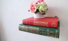 http://www.imujer.com/hogar/166980/haz-tus-propias-repisas-flotantes-para-organizar-los-libros-y-decorar-tu-casa-dale-un-toque-nuevo