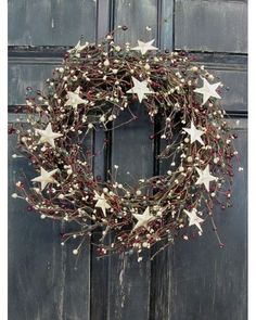 Items similar to Primitive Christmas Front Door Wreath - Pip Berry Wreath - Rustic Door Wreath - Pip Berry - Christmas Wreaths - Holiday Wreath - Rustic Star on Etsy Primitive Christmas, Noel Christmas, Rustic Christmas, Winter Christmas, Christmas Crafts, Handmade Christmas, Classy Christmas, Outdoor Christmas, Primitive Wreath
