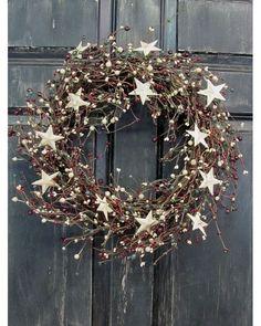 Une couronne avec des étoiles blanche Les inspirations de couronnes de Noël