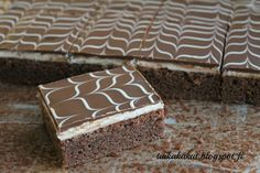 Tarun Taikakakut: Kinder-piirakka / Suklaa-piirakka Baking Recipes, Cake Recipes, Dessert Recipes, Desserts, Baking Ideas, A Food, Food And Drink, Chocolate Recipes, Baked Goods
