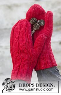 "Holiday Touch - DROPS Weihnachten: Gestrickte DROPS Fäustlinge in ""Nepal"" mit Zopfmuster. - Free pattern by DROPS Design"