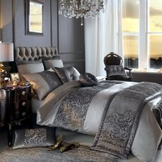 Elegant luxury bedding sets luxury bed comforters elegant bed sets duvet covers luxury bedding sets for a glamorous look in home decor stores in bangalore Bed Linen Sets, Bed Sets, Bed Linen Design, Bed Design, Kylie Minogue At Home, Kyle Minogue, Luxury Bedding Sets, Cool Beds, Luxurious Bedrooms