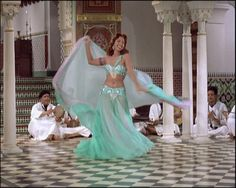 Samia Gamal Egyptian Belly dancer and Actress- in Ali Baba and the Forty Thieves Love the double layer chiffon skirt, so floofy! Belly Dance Outfit, Belly Dance Costumes, Dance Oriental, Dance Dresses, Prom Dresses, Vintage Dance, Zeina, Ali Baba, Dance Fashion