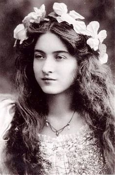 Sanctuaries, Dreams and Shadows: Maude Fealy, American Actress