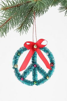 Peace On Earth Ornament - would be easy to make with glitter pipe cleaners - good craft for older kids