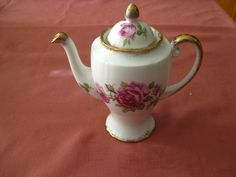 """Very Elegant Royal Standard """"Orleans Rose"""" 4 cup tea/coffee post in beautiful condition, $45 +pp to Australia only."""