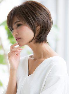 耳かけ小顔ノーブルマッシュ☆【Agnos 青山】 http://www.beauty-navi.com/style/detail/59389?pint ふんわり大人ショート!ワックスでもみこむだけ!の楽チンスタイリング☆ ≪#shorthair #shortstyle #shorthairstyle #hairstyle #ショート #ヘアスタイル #髪形 #髪型≫