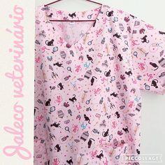 Jaleco veterinário estampa gatos fundo rosa: encomenda pronta! #jaleco #jalecos #vet #veterinaria #gatos #cats #sobencomenda #FashionArts #med