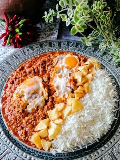 Marhahús ragu tojással-Vavishka | Gránátalma és borbolya Chili, Ethnic Recipes, Food, Turmeric, Red Peppers, Chili Powder, Chilis, Essen, Chile