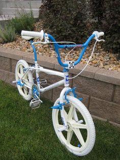 1985 Dyno Compe - BMXmuseum.com Cruiser Bicycle, Mtb Bike, Road Bike, Cycling Art, Cycling Bikes, Cycling Quotes, Cycling Jerseys, Vintage Bmx Bikes, Gt Bmx