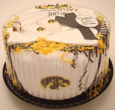 Iowa Hawkeyes Baby Fan Cake Clothing Gift Set 0f206287d5bb