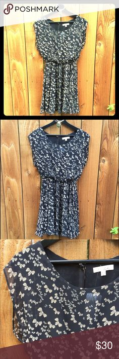 Lush Summer Dress with Bow Details Knee-length silk Lush dress with bow details, perfect for Summer, Fall, or Spring!! Also, new with tags!! Lush Dresses Mini