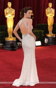 EVENTS: Stana Katic at the 82nd Academy Awards (2010)