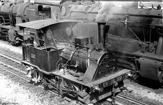 Maquinas a vapor Portuguesas Diesel Locomotive, Steam Locomotive, Old Steam Train, Milwaukee Road, New York Central, Train Engines, Steam Engine, Wonders Of The World, Planes