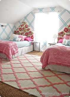 diamond pattern on the wall - cute for a kid's room