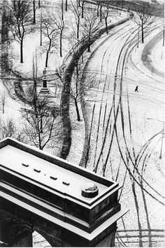 André Kertész  36-79 NY. From 'Diary of light'