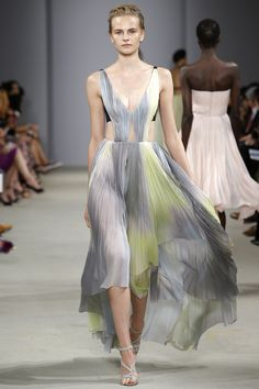 J. Mendel Spring 2016 Ready-to-Wear Fashion Show. Printemps 2016 prêt-à-porter #mode #fashion