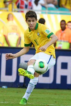 Oscar of Brazil during the FIFA Confederations Cup Brazil 2013 Group A match between Italy and Brazil at Estadio Octavio Mangabeira (Arena Fonte Nova Salvador) on June 22, 2013 in Salvador, Brazil.