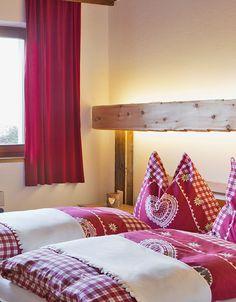 Kuschelige Zirbenholz-Betten zum Träumen // Cuddly beds for a restful sleep