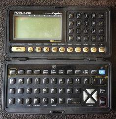 Acredite. Já usei este tipo de gadget. 8k de memória e espaço para 120 nomes e textos.
