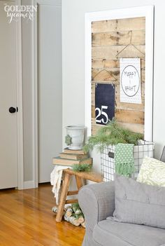 Beautiful Christmas home tour - navy and green color palette. Natural living room
