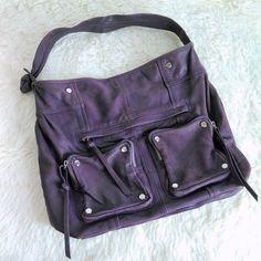 a7d2a7a18c9c This Junior Drake Lupe Hobo Bag is in good