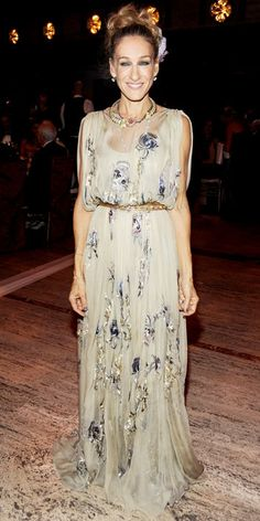 Sarah Jessica Parker in embroidered chiffon Valentino Haute Couture gown at Lincoln Center for the NY Ballet Gala