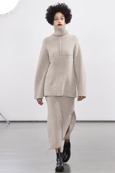 http://www.vogue.com/fashion-shows/fall-2016-ready-to-wear/pringle-of-scotland/slideshow/collection