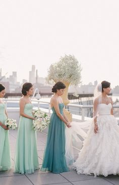 Love the colors and the maid of honor being in a different shade