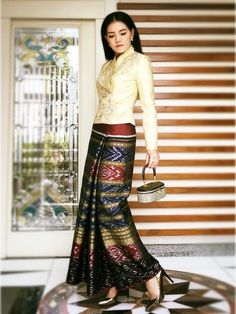 51 Ideas For Fashion Style Hijab Long Skirts Myanmar Traditional Dress, Thai Traditional Dress, Traditional Outfits, Batik Fashion, Hijab Fashion, Fashion Dresses, Batik Dress, Silk Dress, Modern Filipiniana Gown