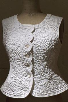 Boutis vest, Kumiko NAKAYAMA, featured at Quiltmania