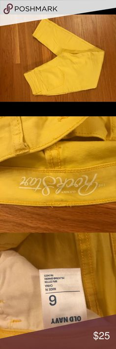 NWOT Old Navy Rockstar Yellow Skinny Size 6 Old Navy Rockstar Yellow Skinny Size 6 NWOT. Very cute and vibrant color! Also available in orange and pink. Old Navy Pants Skinny