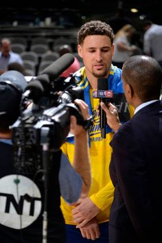 Klay Thompson of the Golden State Warriors speaks to the media after Game Three of the Western Conference Quarterfinals against the San Antonio Spurs. Warriors Basketball Team, Basketball Goals, Golden State Basketball, Nba Lebron James, Nba Stephen Curry, Curry Warriors, Splash Brothers, Golden State Warriors Pictures, Lakers Kobe Bryant